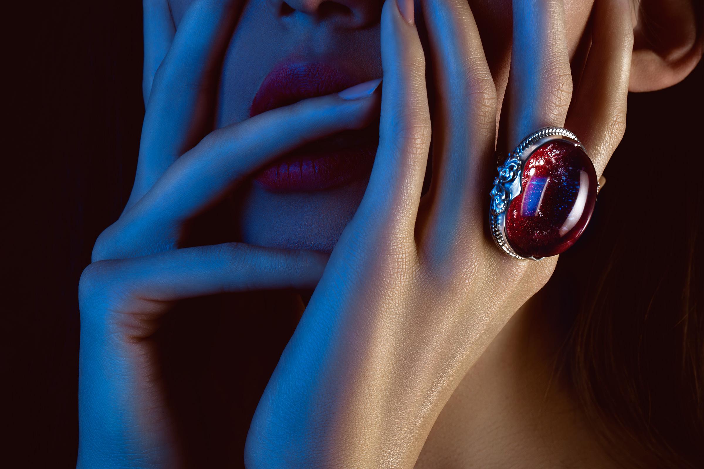 stefan bourson photographe beauté bijoux mains et publicité